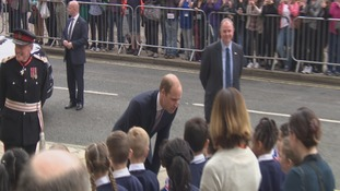 Duke of Cambridge and schoolchildren