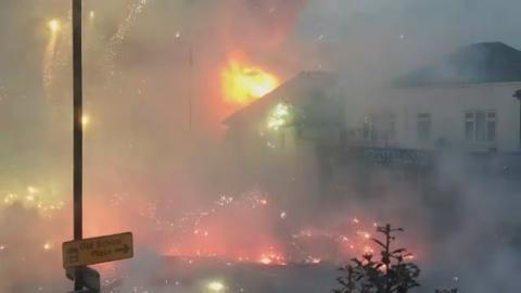 P-FIREWORKS_FIRE__LK