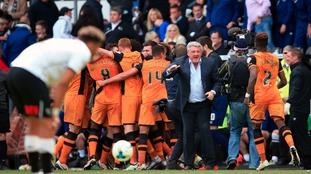 Steve Bruce demands Hull not let up against Derby in second leg