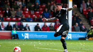 Barnsley thrash Walsall to set up Wembley showdown