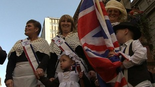Unionist parade passes off peacefully