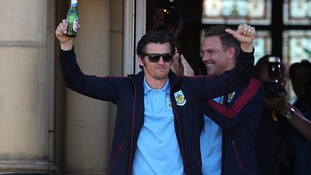 Burnley offer new deals to Barton and Robinson