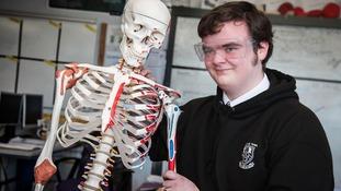 Schoolboy wins award for working out the best way to break bones