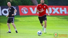 Euro 2016: Wales' Joe Ledley trains with broken leg