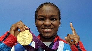 Nicola Adams wins last remaining boxing title