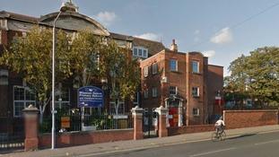 Primary school children witness teen street stabbing