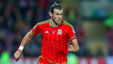Wales manager challenges squad to 'get close to Bale's level'