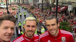 Live updates: Heroes' homecoming for Wales