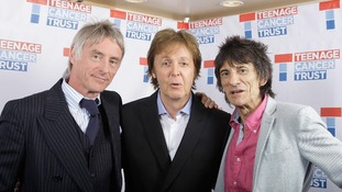 Sir Paul McCartney (centre) backstage with Paul Weller (left) and Ronnie Wood