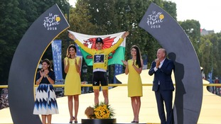 Geraint Thomas on winner's podium