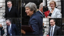 Cabinet meets to discuss draft Brexit deal