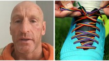 Rugby players support Gareth Thomas with rainbow laces