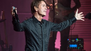 Crowds turn out to welcome Sir Cliff Richard to Manchester