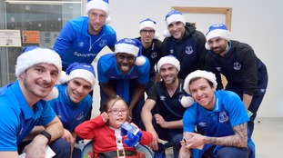 Everton players meet patients at Alder Hey