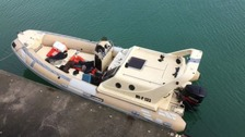 19 migrants including children found on boat off Kent