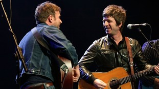 The pair performed Blur's hit Tender, with guitarist Graham Coxon and Paul Weller on drums.