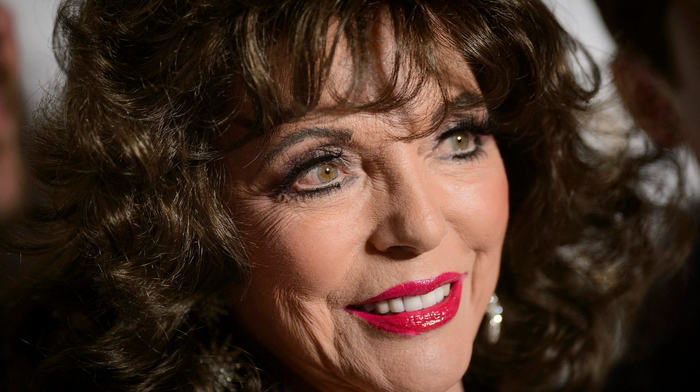 dame joan collins thanks firefighters after  u0026 39 terrifying