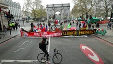 Climate campaigners confined to Marble Arch as arrests top 1,000