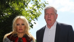 Pamela Anderson arrived at Belmarsh with WikiLeaks editor Kristinn Hrafnsson.