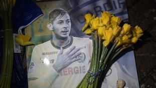 Tribute to Emiliano Sala.