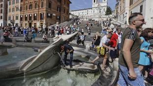 Tourists who frolic in Rome's fountains face 48-hour ban from city