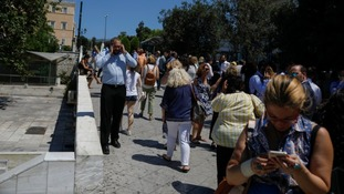 People run into streets as 5.3-magnitude earthquake hits Athens - ITV News