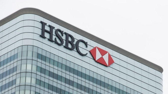John Flint steps down as HSBC chief executive 'by mutual agreement