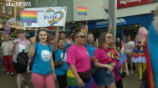 REPORT : Thousands take part in Reading Pride