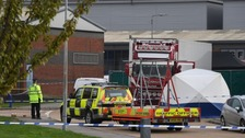 39 people found dead in a lorry container in Essex