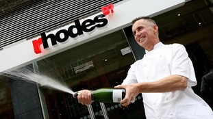 Gary Rhodes celebrates the opening of his Dublin restaurant in 2006.