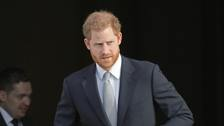 Harry lands in Canada to be reunited with Meghan and Archie