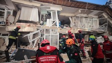 Turkey earthquake: Death toll rises with 1,000 people injured