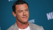 Luke Evans hails NHS staff after dad 'almost lost his fingers'