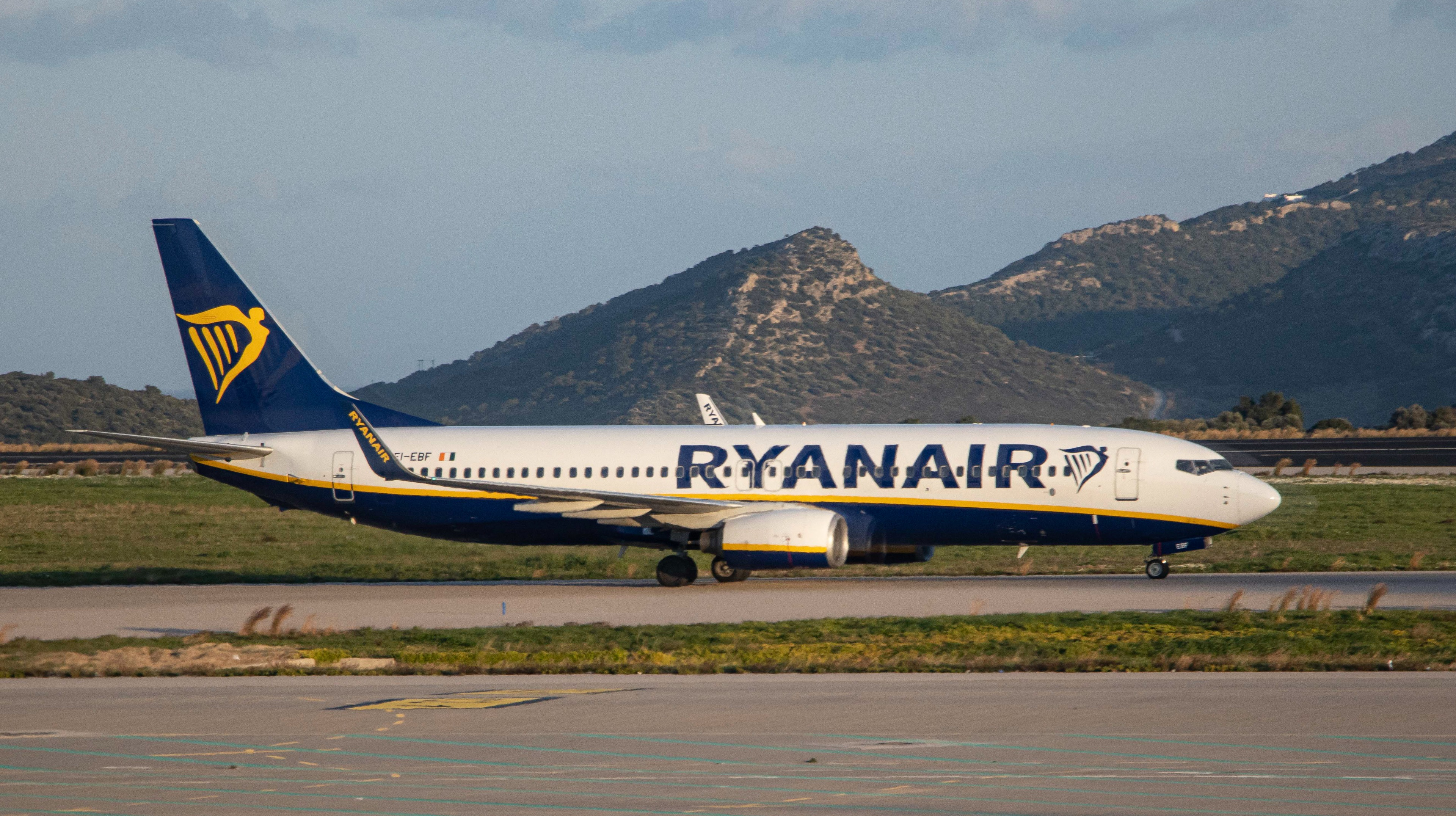 Woman who allegedly had sex at 32,000ft with a stranger on Ryanair flight says it was a lap dance