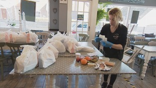 Community comes together to make food parcels for children in West Sussex