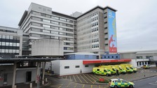 Hundreds of Cardiff hospital staff fed for free by volunteers