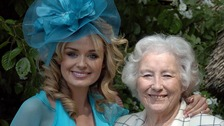 Katherine Jenkins and Vera Lynn join to sing 'We'll Meet Again'