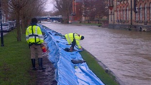 Environment Agency crews at Osney