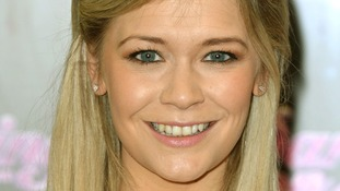 Suzanne Shaw slides out of Dancing on Ice.