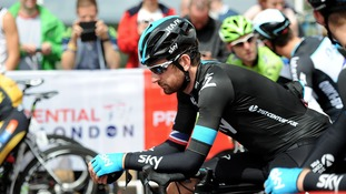 Wiggins on bike