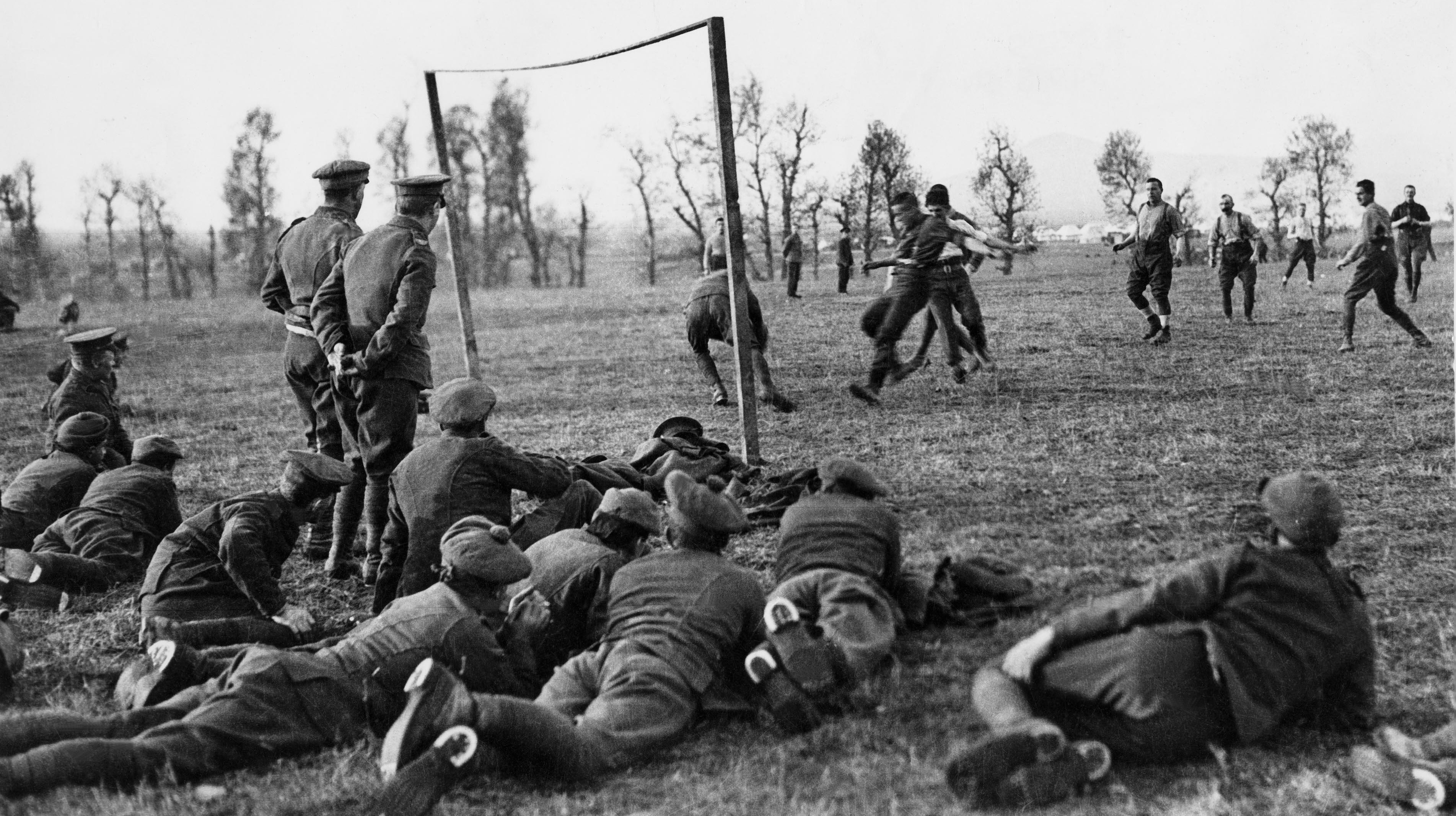 Wwi Christmas Truce.Schools To Recreate Wwi Christmas Truce Football Matches