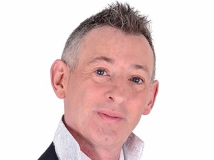 TV psychic Colin Fry dies from lung cancer aged 53