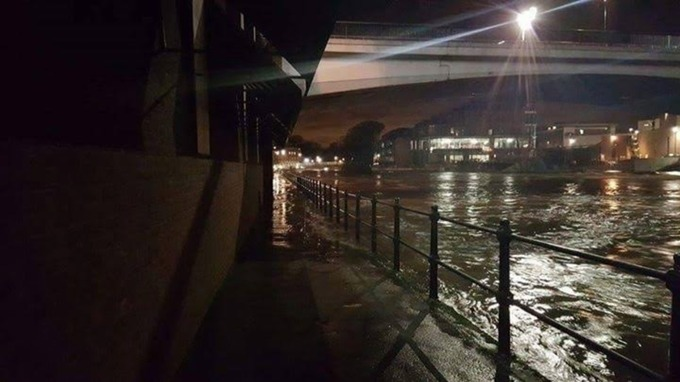 River Wear Bursts Its Banks In Durham City Tyne Tees Itv News